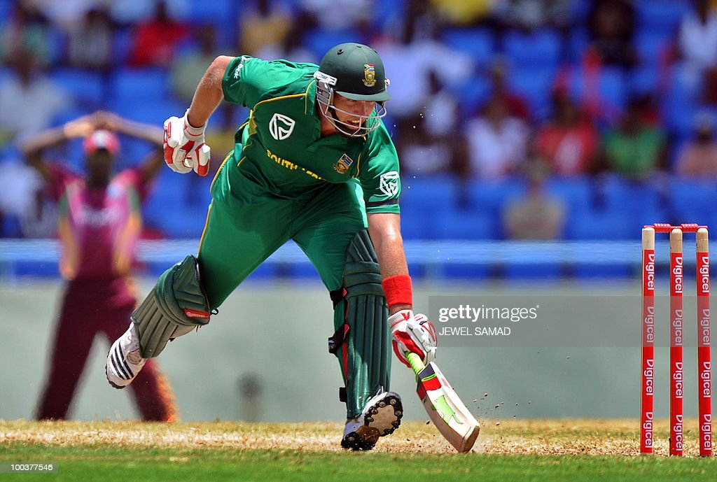 South African cricketer Jacques Kallis takes a run during the second One Day International match between West Indies and South Africa at the Sir Vivian Richards Stadium in St John's on May 24, 2010. AFP PHOTO/Jewel Samad
