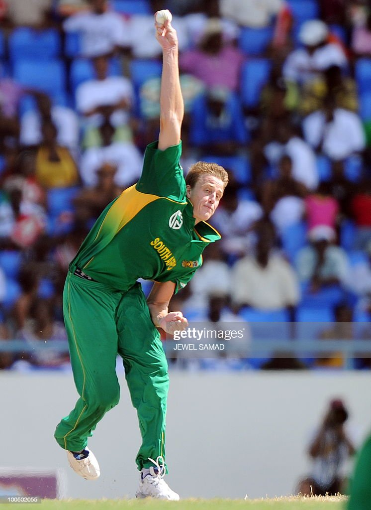 South African cricketer Morne Morkel delivers a ball during the second One Day International match between West Indies and South Africa at the Sir Vivian Richards Stadium in St John's on May 24, 2010. Batting first, South Africa scored 300-runs at the end of their innings. AFP PHOTO/Jewel Samad