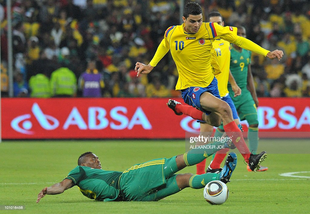 South African footballer Kagisho Gikgacoi (L) vies with Colombia's Giovanni Moveno during a friendly football match between South Africa vs Colombia at Soccer City Stadium in Soweto on May 27 , 2010 ahaed of the FIFA 2010 World Cup in South Africa.