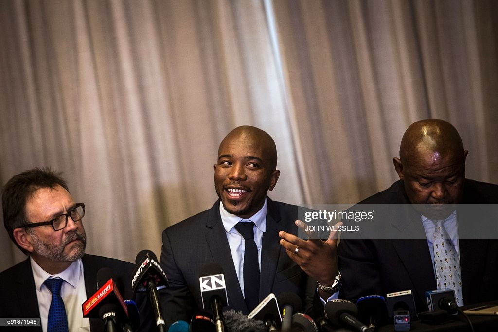 South African main opposition party Democratic Alliance leader Mmusi Maimane speaks during a press briefing on coalition talks on August 17 2016 in...