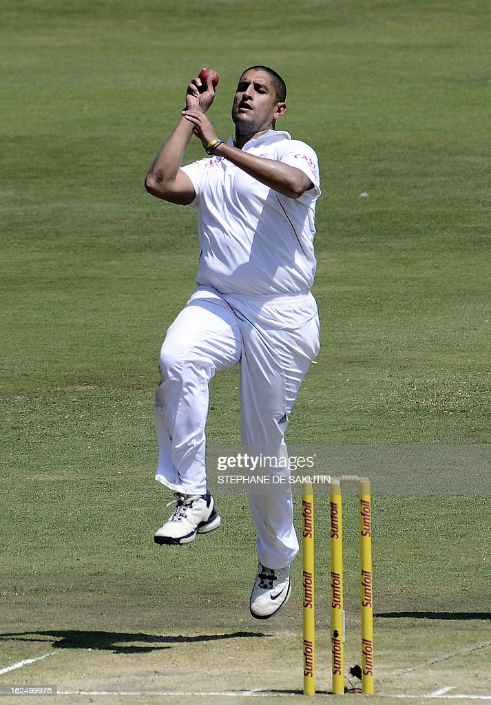 South African Rory Kleinveldt delivers a ball to Pakistan Batsman and captain Misbah ul Haq (unseen) during the third day of the third Test match between South Africa and Pakistan on February 24, 2013 at Super Sport Park in Centurion.