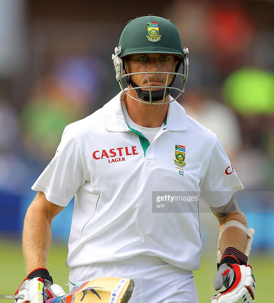South Africa's Dale Steyn bats on January 12, 2013 on the second day of the second and final Test against New Zealand at St George's Park in Port Elizabeth. PHOTO /Anesh Debiky