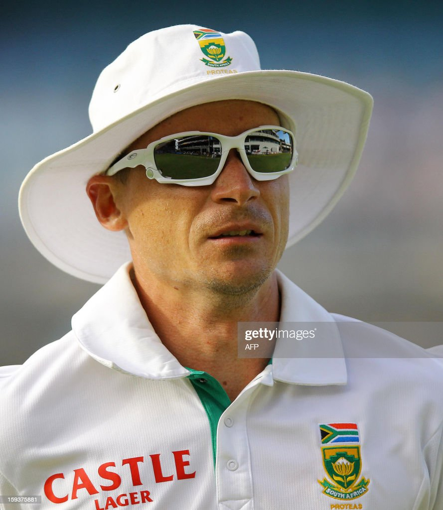 South Africa's Dale Steyn reacts on January 12, 2013 on the second day of the second and final Test between South Africa and New Zealand at St George's Park in Port Elizabeth. PHOTO /Anesh Debiky
