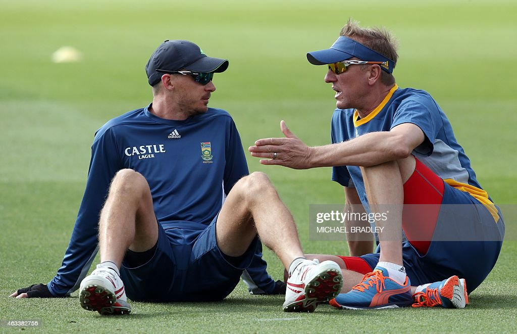 South Africa's <a gi-track='captionPersonalityLinkClicked' href=/galleries/search?phrase=Dale+Steyn&family=editorial&specificpeople=649553 ng-click='$event.stopPropagation()'>Dale Steyn</a> (L) takes to bowling coach <a gi-track='captionPersonalityLinkClicked' href=/galleries/search?phrase=Allan+Donald&family=editorial&specificpeople=2185652 ng-click='$event.stopPropagation()'>Allan Donald</a> talk during training at Seddon Park, Hamilton on February 14, 2015 ahead of their first Pool B 2015 Cricket World Cup match between South Africa and Zimbabwe on February 15.  AFP PHOTO / Michael Bradley