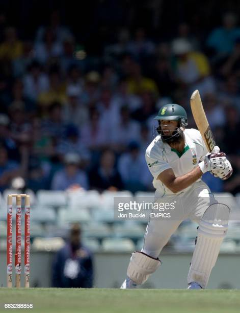 South Africa's Hashim Amla in action during 1st innings against Australia on day 2 of the first test