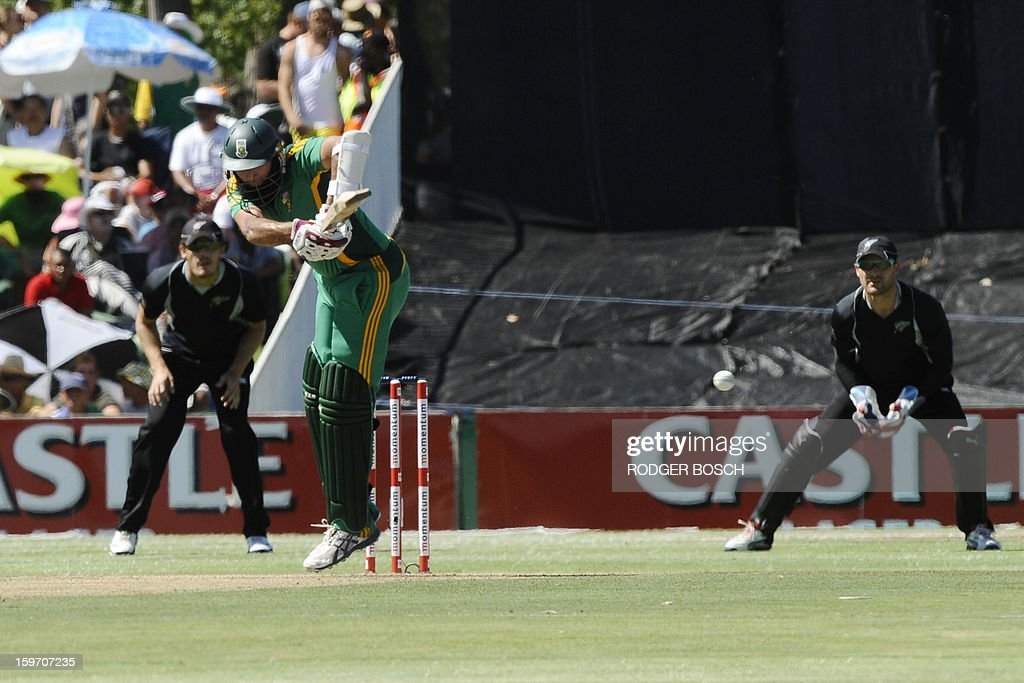 South Africa's Hashim Amla (C) plays a shot during the first One Day International (ODI) between South Africa and New Zealand on January 19, 2013 at Boland Park, in Paarl about 60Km North of Cape Town. BOSCH