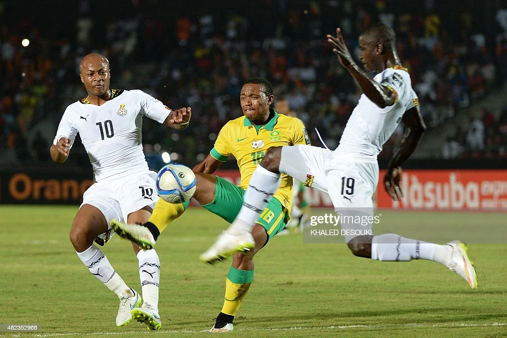 South Africa's midfielder <a gi-track='captionPersonalityLinkClicked' href=/galleries/search?phrase=Thuso+Phala&family=editorial&specificpeople=4422095 ng-click='$event.stopPropagation()'>Thuso Phala</a> (C) challenges Ghana's midfielder Andre Ayew and Ghana's defender Jonathan Mensah (R) during the 2015 African Cup of Nations group C football match between South Africa and Ghana in Mongomo on January 27, 2015.