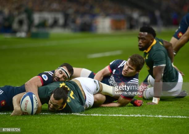 South Africa's wing Dillyn Leyds scores a try during the friendly rugby union international Test match between France and South Africa's Springboks...