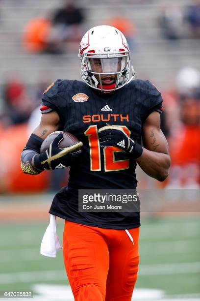 South Alabama Tight End Gerald Everett of the South Team during the 2017 Resse's Senior Bowl at LaddPeebles Stadium on January 28 2017 in Mobile...