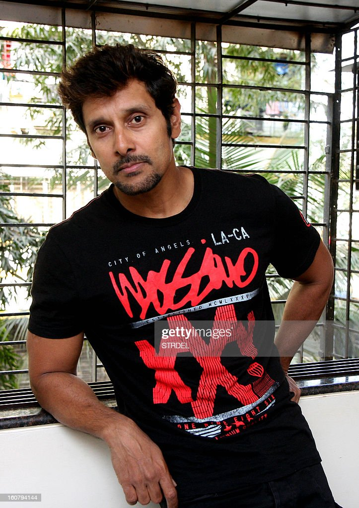 South Indian actor Vikram poses during a press meet in Mumbai on February 5, 2013. AFP PHOTO/STR