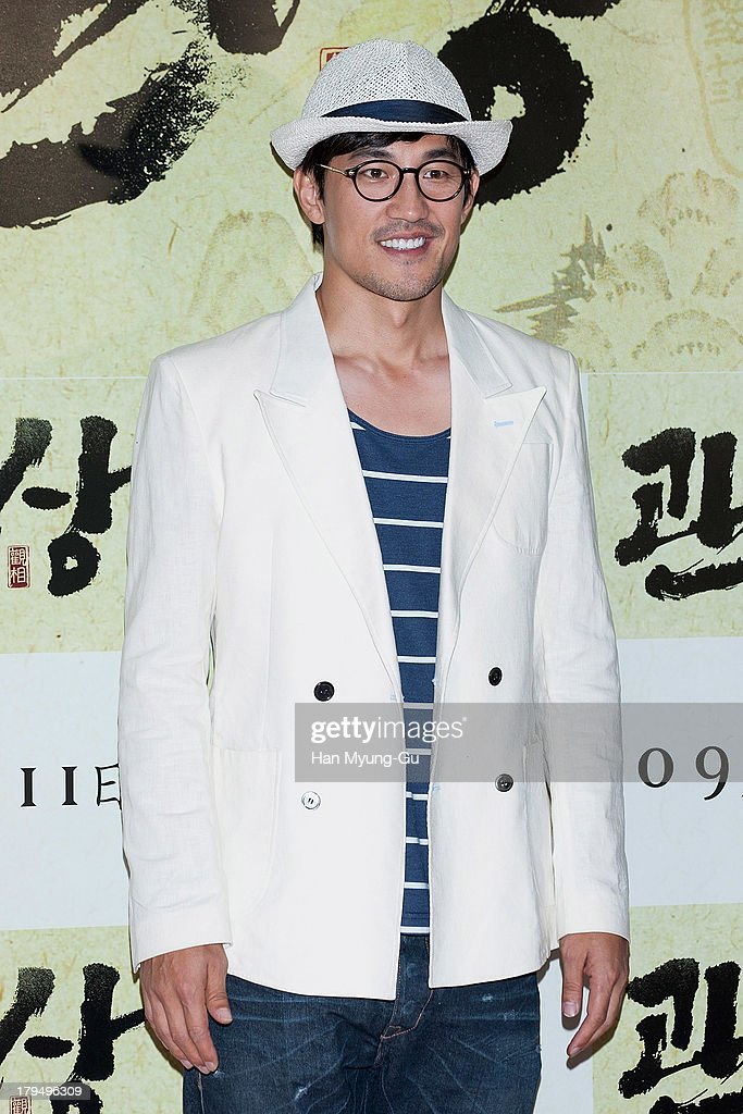 South Korean actor Han Jung-Su attends during 'The Face Reader' VIP screening at the CGV on September 4, 2013 in Seoul, South Korea. The film will open on September 11, in South Korea.