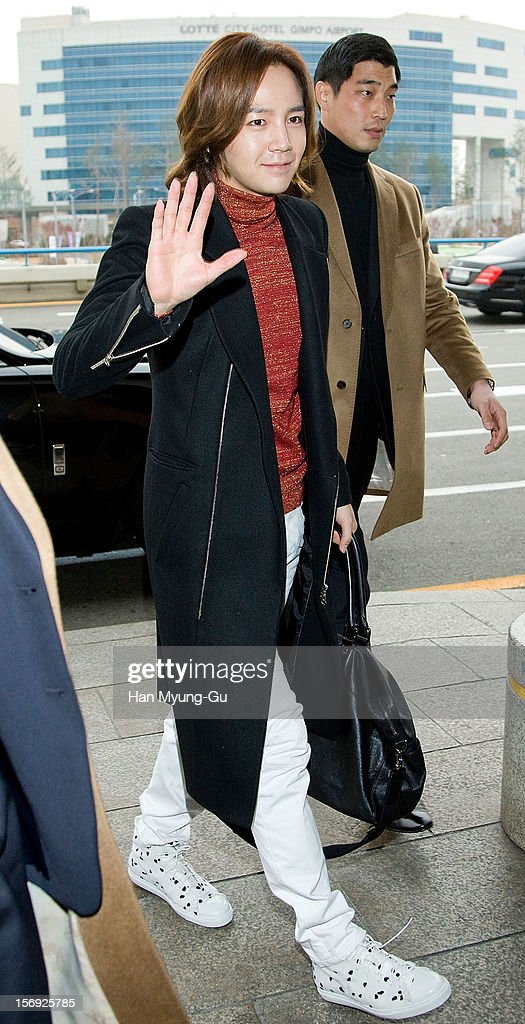 South Korean actor Jang Keun-Suk is seen at Gimpo International Airport on November 25, 2012 in Gimpo, South Korea.