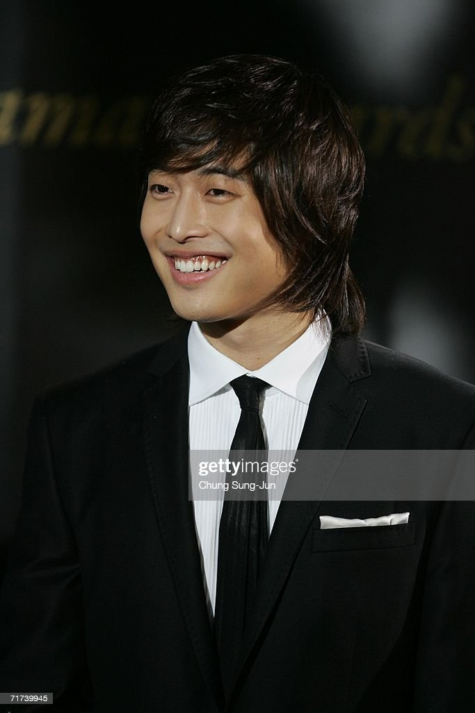 South Korean actor Kim Jae-Won arrives for the 1st Seoul Drama Awards 2006 at the Korea Broadcasters Association on August 29, 2006 in Seoul, South Korea. 105 dramas include mini series, single drama and drama series from 29 countries participate in a awards.