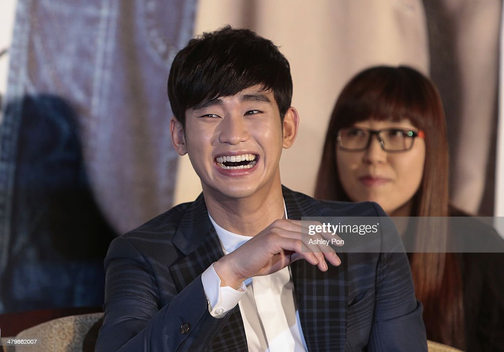 South Korean actor <a gi-track='captionPersonalityLinkClicked' href=/galleries/search?phrase=Kim+Soo-Hyun+-+Actor+-+Born+1988&family=editorial&specificpeople=8739405 ng-click='$event.stopPropagation()'>Kim Soo-Hyun</a> attends the '1st Memories In Taiwan' press conference on March 21, 2014 in Taipei, Taiwan. Kim is famous for Korean TV drama 'Love From The Star' and will stay in Taipei for 2 days to meet with fans.