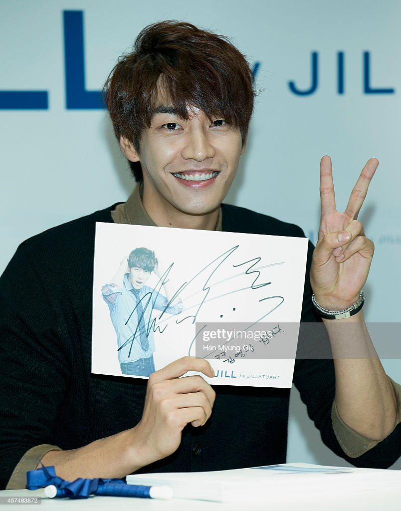 South Korean actor <a gi-track='captionPersonalityLinkClicked' href=/galleries/search?phrase=Kim+Young-Kwang&family=editorial&specificpeople=2150822 ng-click='$event.stopPropagation()'>Kim Young-Kwang</a> attends an autograph session for 'JILL by Jill Stuart' at Hyundai Department Store on October 18, 2014 in Seoul, South Korea.