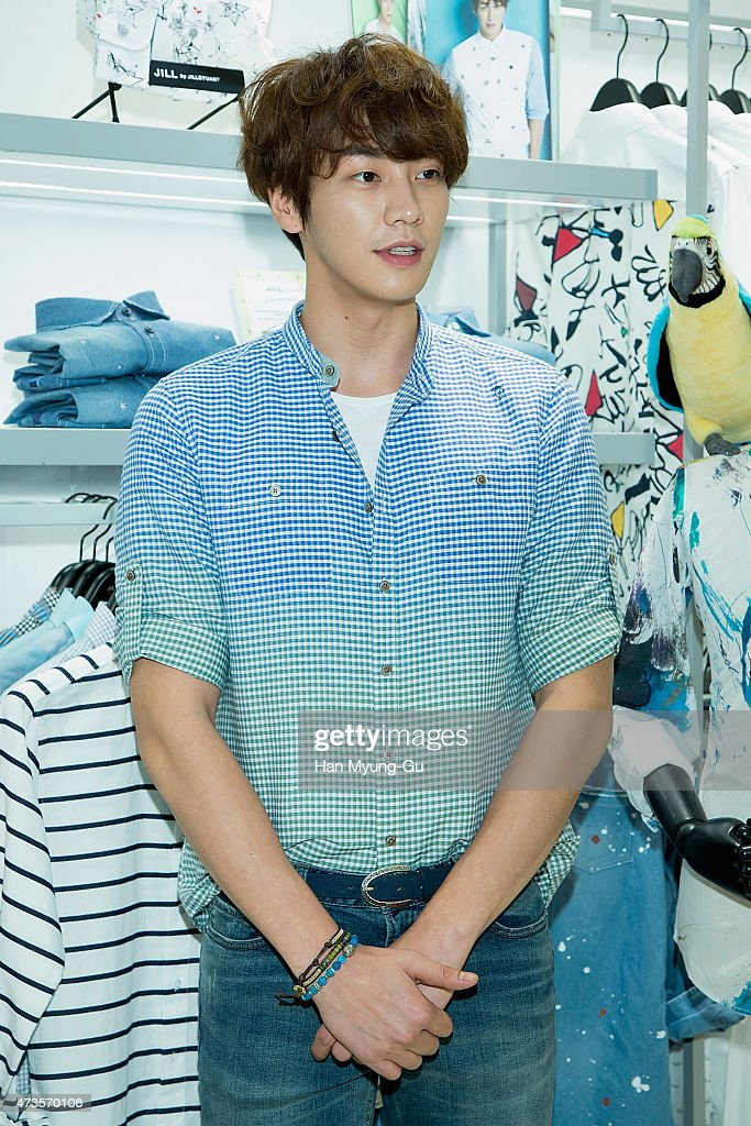 South Korean actor <a gi-track='captionPersonalityLinkClicked' href=/galleries/search?phrase=Kim+Young-Kwang&family=editorial&specificpeople=2150822 ng-click='$event.stopPropagation()'>Kim Young-Kwang</a> makes an appearance at JILL by Jill Stuart at Lotte Department Store on May 14, 2015 in Seoul, South Korea.