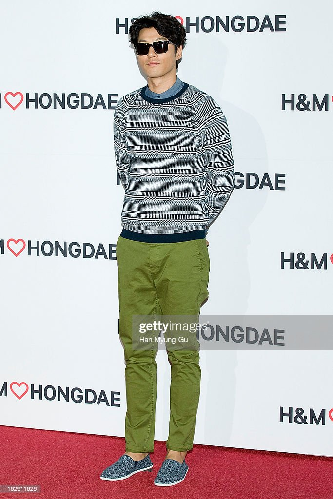 South Korean actor Lee Cheon-Hee (Lee Chun-Hee) attends the H&M (Hennes & Mauritz AB) Hongik University Store Opening on February 28, 2013 in Seoul, South Korea.