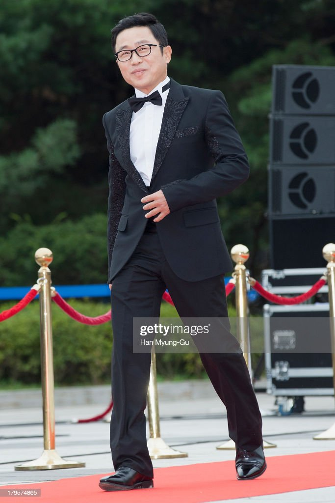 South Korean actor Lee Moon-Shik arrives for photographs at the Seoul International Drama Awards 2013 at National Theater on September 5, 2013 in Seoul, South Korea.