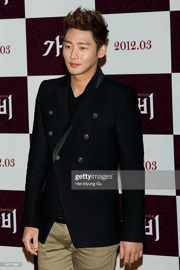 South Korean actor Lee Tae-Sung attends the 'Gabi' (Coffee) VIP Premiere at CGV on March 06, 2012 in Seoul, South Korea. The film will open on March 15 in South Korea.