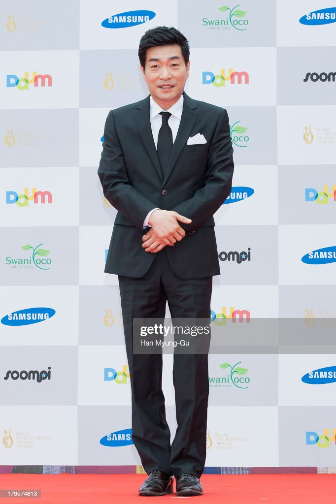 South Korean actor Son Hyun-Joo (Son Hyun-Ju) arrives for photographs at the Seoul International Drama Awards 2013 at National Theater on September 5, 2013 in Seoul, South Korea.