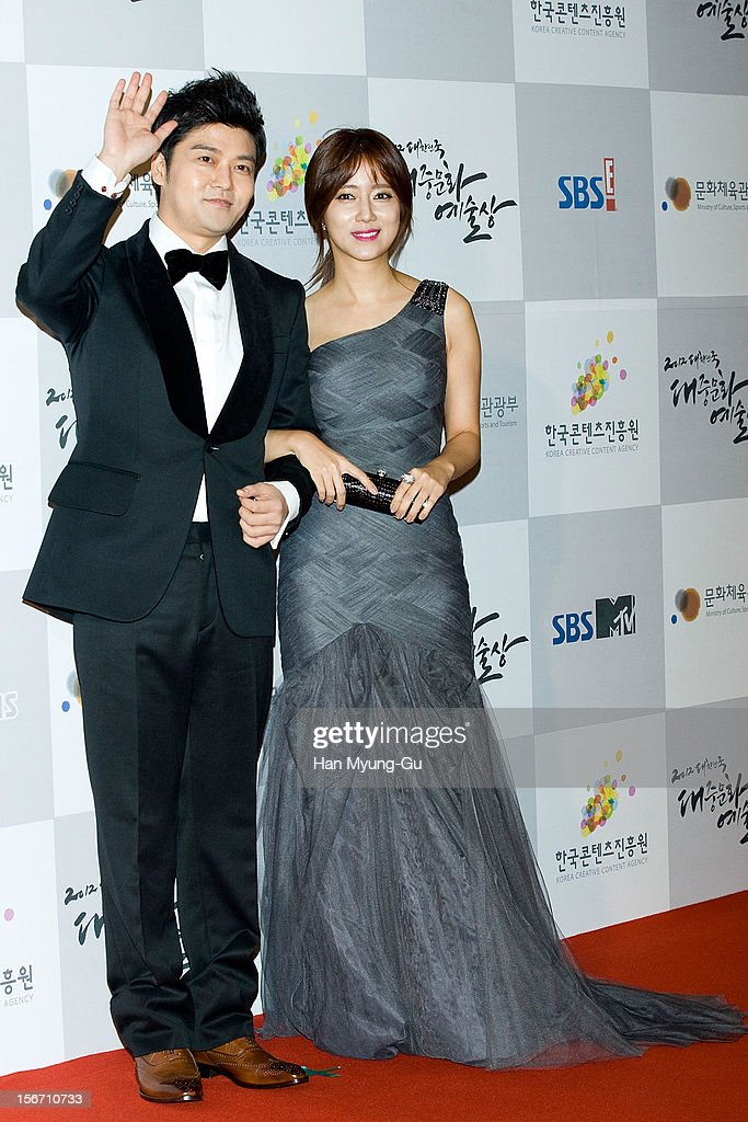 South Korean actors <a gi-track='captionPersonalityLinkClicked' href=/galleries/search?phrase=Jeon+Hyun-Moo&family=editorial&specificpeople=8705842 ng-click='$event.stopPropagation()'>Jeon Hyun-Moo</a> and Choi Song-Hyun attend during the 2012 Korea Popular Culture Art Awards at Olympic Hall on November 19, 2012 in Seoul, South Korea.
