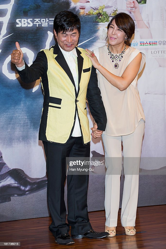 South Korean actors Lee Han-Wie and Jeon Su-Kyung (Jeon Soo-Kyung) attend SBS Drama 'Hot Love' press conference at 63 building on September 23, 2013 in Seoul, South Korea. The drama will open on September 28, in South Korea.