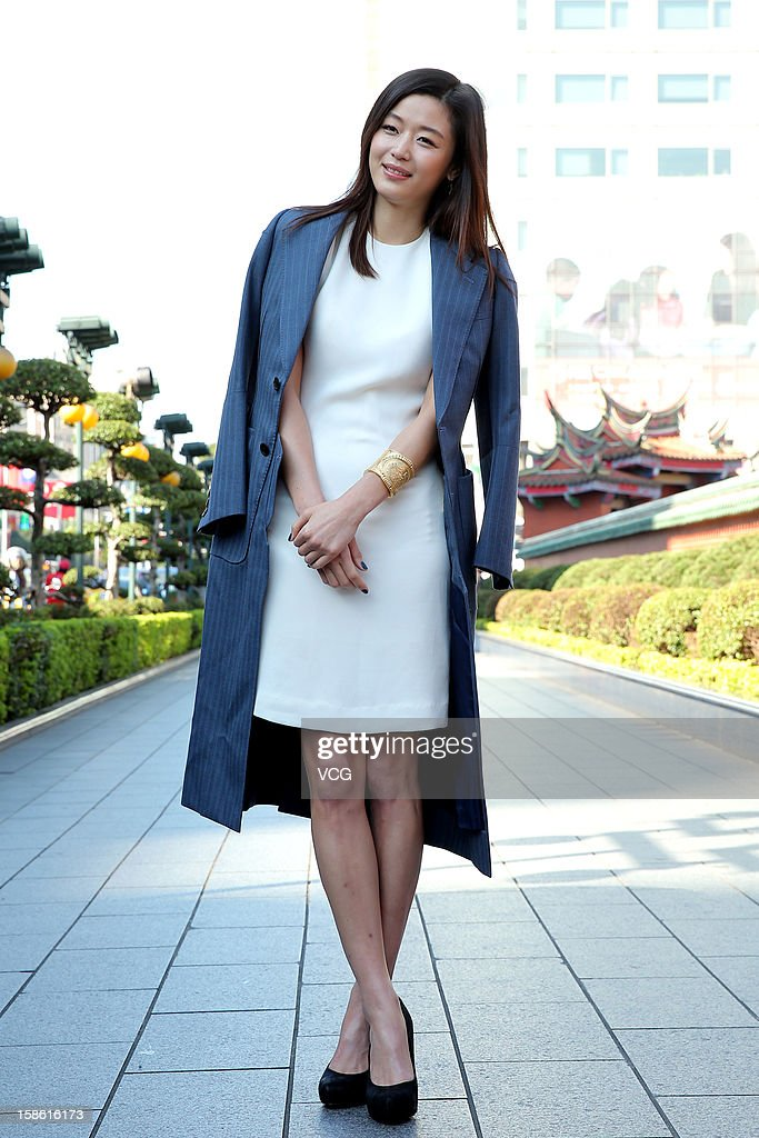 South Korean actress Gianna Jun (Jun Ji-Hyun) visits Xingtian Temple on December 21, 2012 in Taipei, Taiwan.