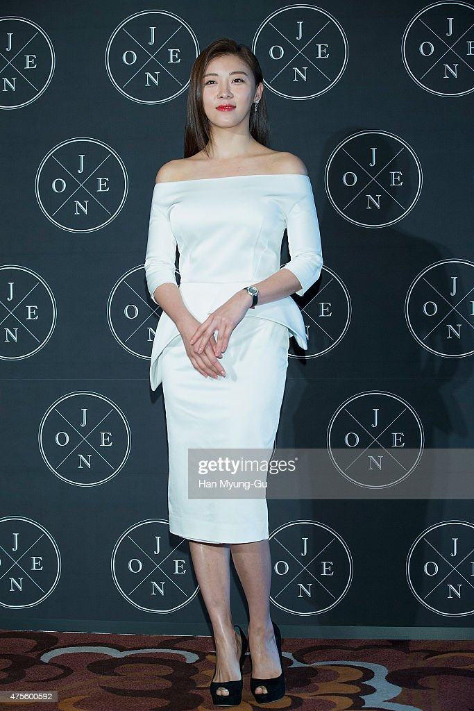 Cosmetic Brand J. One Launch - Photocall