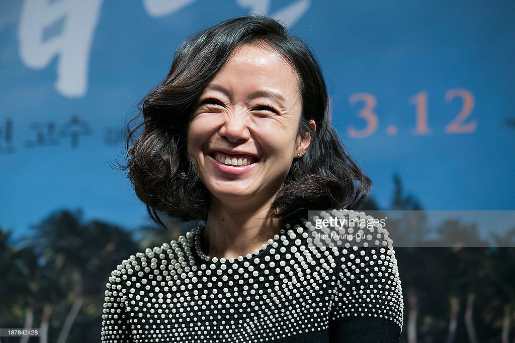 South Korean actress Jeon Do-Yeon attends 'The Way Home' press conference at CGV on November 12, 2013 in Seoul, South Korea. The film will open on December 19, in South Korea.