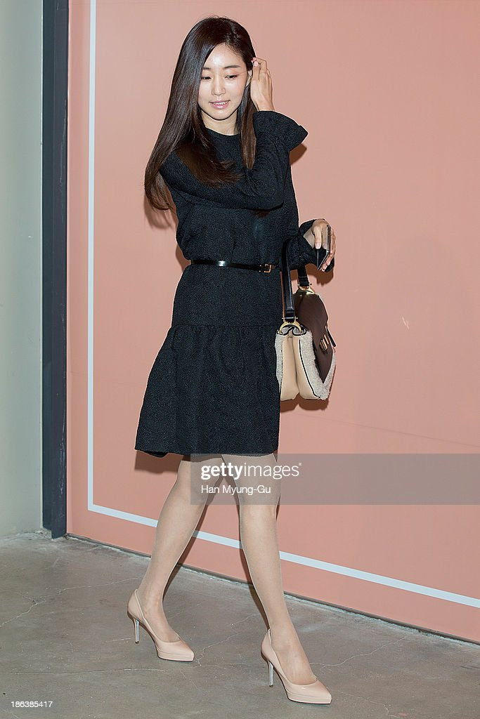 South Korean actress <a gi-track='captionPersonalityLinkClicked' href=/galleries/search?phrase=Kim+Sa-Rang+-+Actress&family=editorial&specificpeople=4457239 ng-click='$event.stopPropagation()'>Kim Sa-Rang</a> attends Chloe's perfume 'ROSES DE CHLOE EDT' launch party at Space Gallery on October 30, 2013 in Seoul, South Korea.