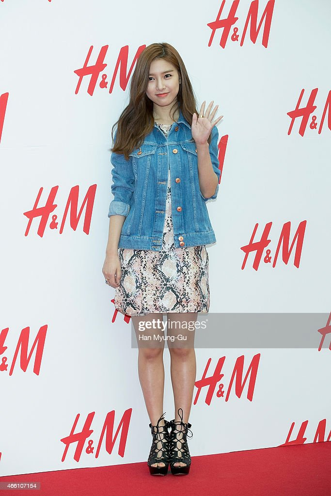 South Korean actress <a gi-track='captionPersonalityLinkClicked' href=/galleries/search?phrase=Kim+So-Eun&family=editorial&specificpeople=6670654 ng-click='$event.stopPropagation()'>Kim So-Eun</a> attends the opening event for H&M YeongDeungPo Times Square at Yeongdeungpo Times Square on March 13, 2015 in Seoul, South Korea.