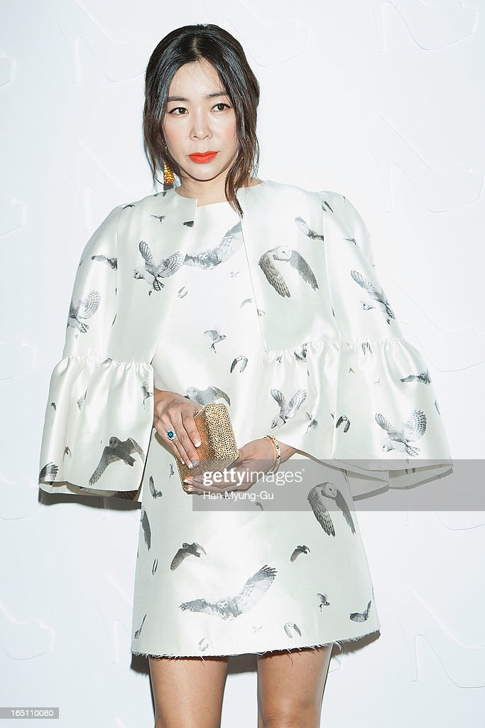 South Korean actress Lee Hye-Young attends the 'Suecomma Bonnie' 10th Anniversary Exhibition at Conrad Hotel on March 29, 2013 in Seoul, South Korea.