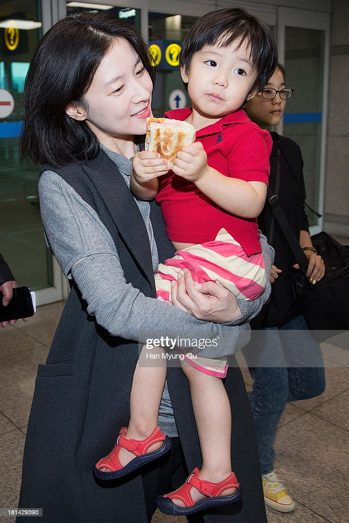 South Korean actress Lee YoungAe and her fraternal twin are seen at Incheon International Airport on September 20 2013 in Incheon South Korea