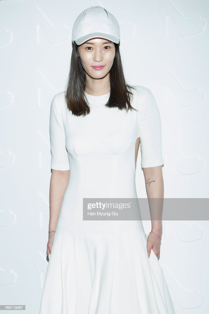 South Korean actress Lee Young-Jin attends the 'Suecomma Bonnie' 10th Anniversary Exhibition at Conrad Hotel on March 29, 2013 in Seoul, South Korea.