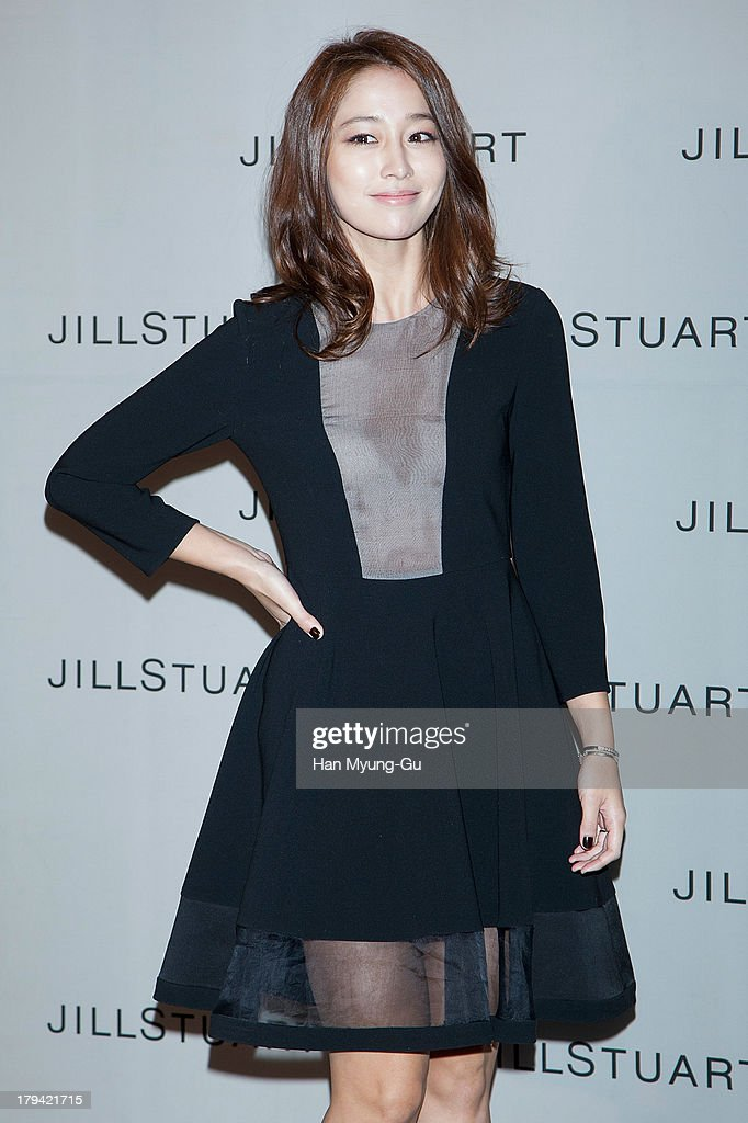 South Korean actress Rhee Min-Jung (<a gi-track='captionPersonalityLinkClicked' href=/galleries/search?phrase=Lee+Min-Jung&family=editorial&specificpeople=6870336 ng-click='$event.stopPropagation()'>Lee Min-Jung</a>) attends the presentation of Jill Stuart 2013 A/W collection at LG Fashion RAUM on September 3, 2013 in Seoul, South Korea.