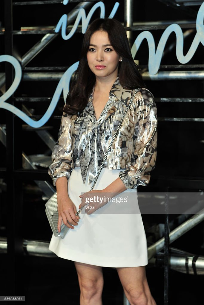 South Korean actress Song Hye-kyo arrives at the red carpet of a press conference of Chanel's 'Paris in Rome 2015/16' Metiers d'Art Show on May 31, 2016 in Beijing, China.