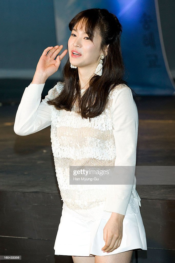 South Korean actress Song Hye-Kyo attends the SBS Drama 'Baramibunda' press conference at Blue Square Samsung Card Hall on January 31, 2013 in Seoul, South Korea. The drama will open on February 13 in South Korea.