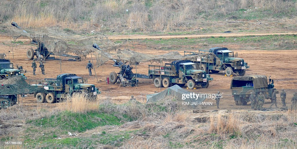 South Korean army take part in a drill with 105mm howitzer's near the border in Paju on April 30, 2013. The United States and South Korea wrapped up military drills on April 30 at the centre of soaring tensions with North Korea, as Pyongyang ignored a new overture over a flagship joint industrial zone.