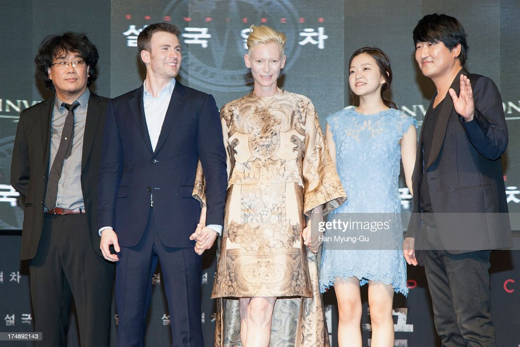 South Korean director Bong Joon-Ho, actors <a gi-track='captionPersonalityLinkClicked' href=/galleries/search?phrase=Chris+Evans+-+Actor&family=editorial&specificpeople=6873149 ng-click='$event.stopPropagation()'>Chris Evans</a>, <a gi-track='captionPersonalityLinkClicked' href=/galleries/search?phrase=Tilda+Swinton&family=editorial&specificpeople=202991 ng-click='$event.stopPropagation()'>Tilda Swinton</a>, Ko A-Sung and Song Kang-Ho attend the 'Snowpiercer' South Korea premiere at Times Square on July 29, 2013 in Seoul, South Korea. The film will open on August 1, in South Korea.