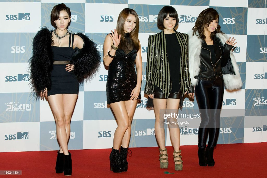 South Korean girl group <a gi-track='captionPersonalityLinkClicked' href=/galleries/search?phrase=Brown+Eyed+Girls&family=editorial&specificpeople=6492749 ng-click='$event.stopPropagation()'>Brown Eyed Girls</a> attend the 2011 SBS Korea Pop Music Festival at Ilsan Kintex on December 29, 2011 in Gyeonggi-do, South Korea.
