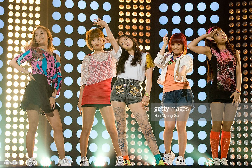 South Korean idol girl group <a gi-track='captionPersonalityLinkClicked' href=/galleries/search?phrase=Wonder+Girls&family=editorial&specificpeople=5637005 ng-click='$event.stopPropagation()'>Wonder Girls</a> perform on stage the MBC Music 'Show Champion' at AX Korea on June 12, 2012 in Seoul, South Korea.