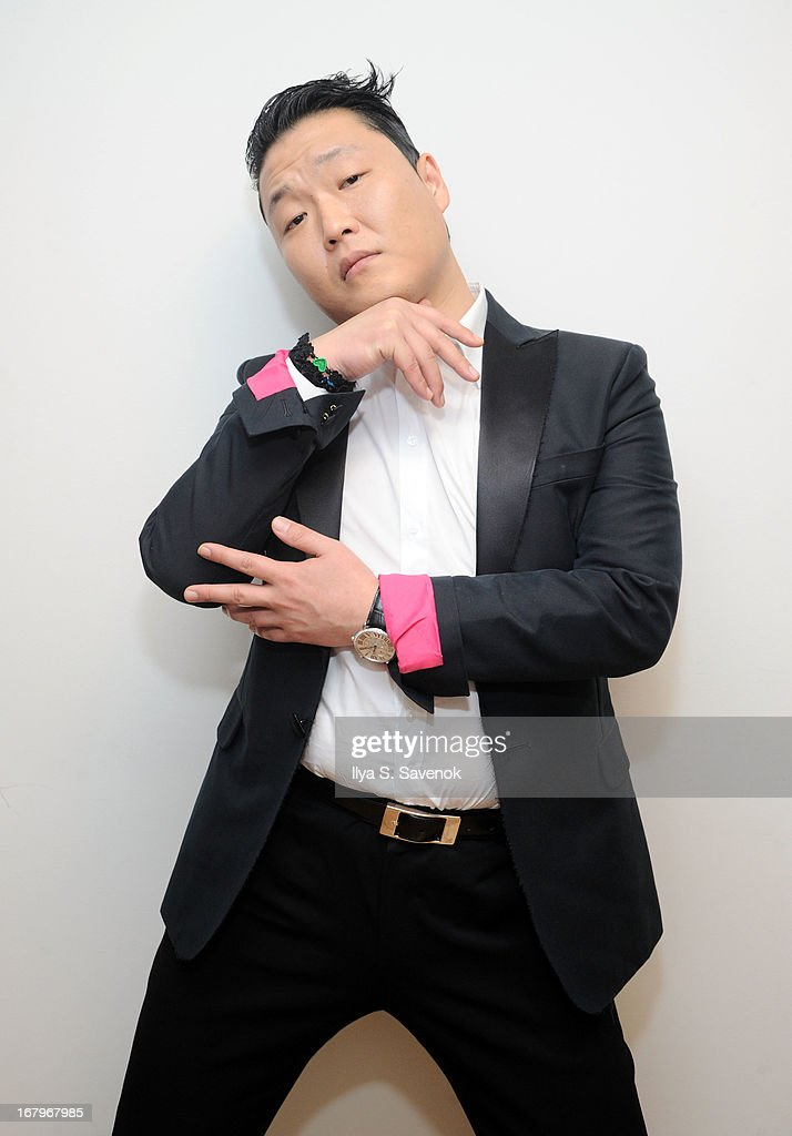 South Korean Pop singer <a gi-track='captionPersonalityLinkClicked' href=/galleries/search?phrase=Psy+-+Unterhaltungsk%C3%BCnstler&family=editorial&specificpeople=9699998 ng-click='$event.stopPropagation()'>Psy</a> visits the SiriusXM Studios on May 3, 2013 in New York City.