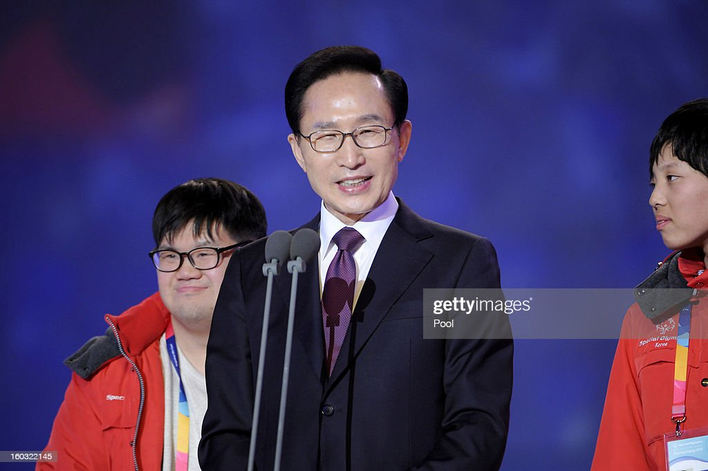 South Korean President <a gi-track='captionPersonalityLinkClicked' href=/galleries/search?phrase=Lee+Myung-Bak&family=editorial&specificpeople=704274 ng-click='$event.stopPropagation()'>Lee Myung-Bak</a> attends the Opening Ceremony of the 2013 Pyeongchang Special Olympics World Winter Games at the Yongpyeong stadium on January 29, 2013 in Pyeongchang-gun, South Korea.