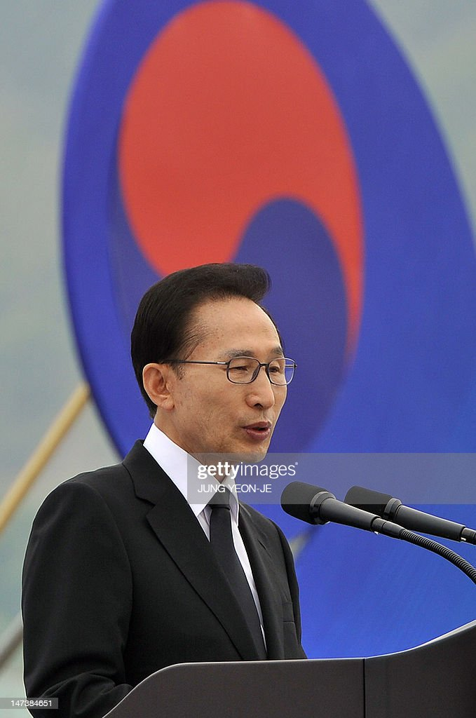 South Korean President Lee Myung-Bak delivers a speech during the 10th anniversary commemorative ceremony of the second naval battle of Yeonpyeong at the Navy's 2nd Fleet Command in Pyeongtaek, about 70 kilometers south of Seoul, on June 29, 2012. The battle erupted on June 29, 2002, when two of the North's patrol boats crossed the disputed Yellow Sea border. Six South Korean sailors were killed and 18 injured while an estimated 13 North Koreans died. AFP PHOTO / POOL / JUNG YEON-JE