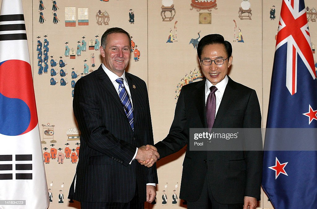 South Korean President Lee Myung-bak (R) shakes hands with New Zealand Prime Minister John Key (L) during their meeting at the Presidential house on March 25, 2012 in Seoul, South Korea. World leaders gather at Seoul to discuss on the issues to prevent possible nuclear terrorism and recurrence of meltdown of nuclear power plants and to minimize nuclear material across the world.