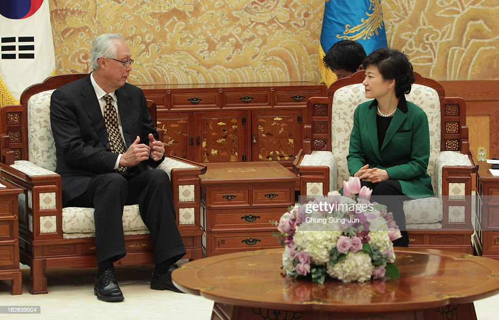 South Korean President Park Geun-Hye (R) talks with <a gi-track='captionPersonalityLinkClicked' href=/galleries/search?phrase=Goh+Chok+Tong&family=editorial&specificpeople=217960 ng-click='$event.stopPropagation()'>Goh Chok Tong</a>, Senior Minister and former Prime Minister of Singapore after inauguration ceremony at presidential house on February 25, 2013 in Seoul, South Korea. Park, the daughter of former Republic of Korea Army general and dictator from 1961 to 1979 Park Chung-hee, was today sworn in as the first female president of South Korea.