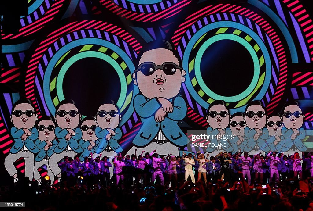 South Korean rapper Psy porforms during the 2012 MTV European Music Awards (EMA) at the Festhalle in Frankfurt am Main, central Germany on November 11, 2012. AFP PHOTO / DANIEL ROLAND