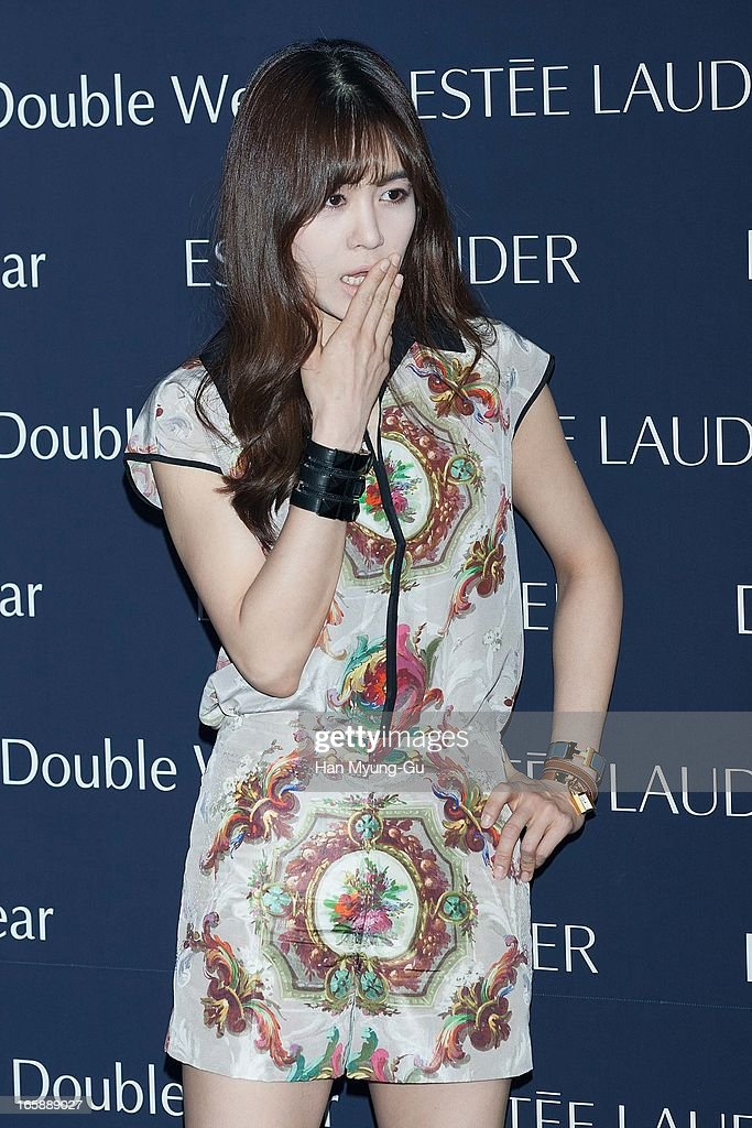 South Korean singer Oak Joo-Hyun attends the 'Estee Lauder' Double Wear Lounge opening at Coffee Smith on April 5, 2013 in Seoul, South Korea.