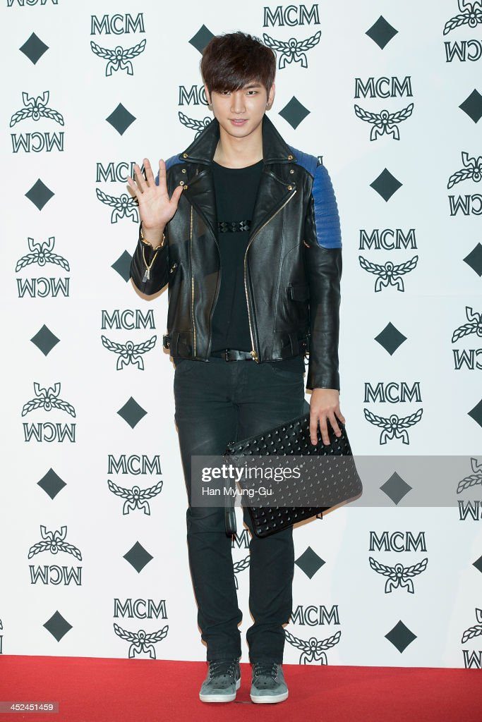 South Korean singer Roh Ji-Hoon attends the MCM S/S 2014 Seoul Fashion Show at Lotte Hotel on November 26, 2013 in Seoul, South Korea.