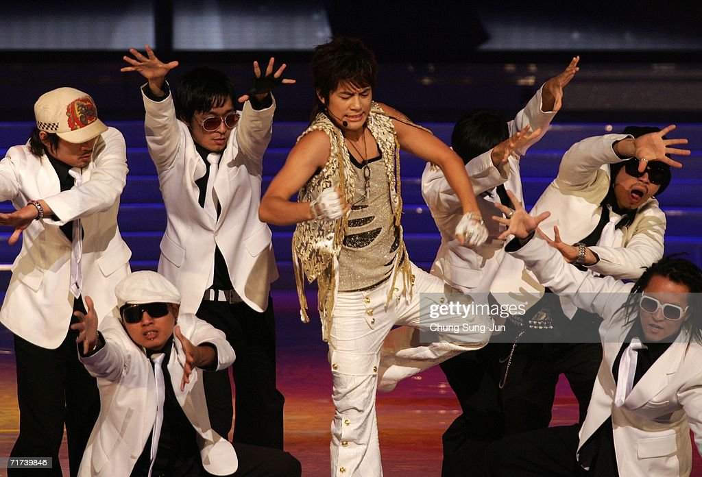 South Korean singer Seven perform during a opening ceremony of the 1st Seoul Drama Awards 2006 at the Korea Broadcasters Association on August 29, 2006 in Seoul, South Korea. 105 dramas include mini series, single drama and drama series from 29 countries participate in a awards.